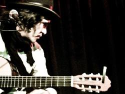 Demian Rodríguez, cantautor de puerto