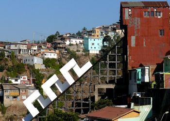 Bridges&Borders se presentó en Valparaíso desde el 16 de marzo al 26 de mayo de 2013