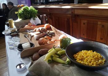 El charqui arriero, una receta típica de la región de Valparaíso, es una mezcla de charqui, queso, aceitunas y cebolla