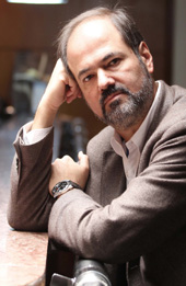 "Juan Villoro, escritor mexicano, autor de ""El testigo"""