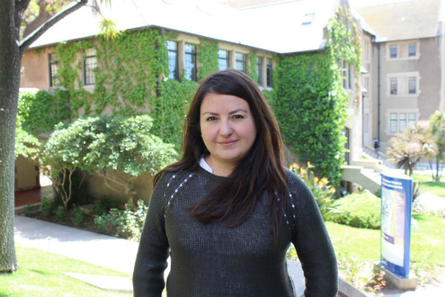 "Andrea Pino, autora del libro ""Quebradas de Valparaíso: Memoria Social Autoconstruida"""