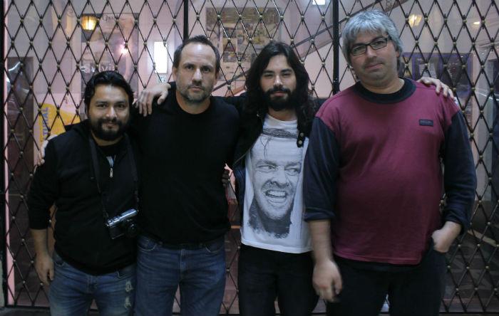 Sebastián Moreno junto al equipo de Insomnia Alternativa de Cine