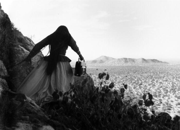 """""""Mujer ángel"""" (Desierto de Sonora, México, 1979). Graciela Iturbide."""