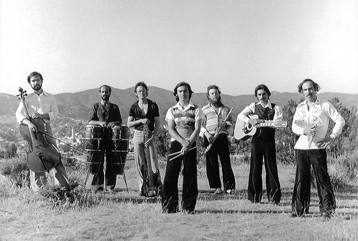 Los integrantes del grupo Congreso captados por Michael Jones en 1977.